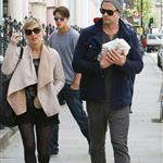 Chris Hemsworth and Elsa Pataky go for a walk in London with their newborn daughter, India Rose 114733