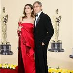 George Clooney and Elisabetta Canalis at the 2010 Oscars 56438