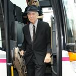 Leonard Cohen arrives in Berlin 42318