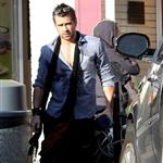 Colin Farrell shows off shorter hair after yoga  83703