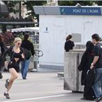 Renee Zellweger running in Paris 63313