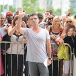 Simon Cowell wears heels like tom Cruise to London X Factor auditions 63712