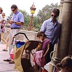 Rom Cruise at Disney World with Suri 122336