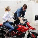 Tom Cruise shoots on a bike with Cameron Diaz 51889
