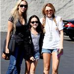 Noah and her two role models out and about among the paps a couple of months ago 74600