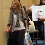 Dakota Fanning arrives in Vancouver to work on Eclipse 45202
