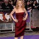 Michelle Pfeiffer attends the European premiere of Dark Shadows 114097