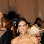 Demi Moore wears fascinator to Met Gala 2011  84444