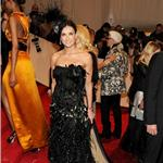 Demi Moore wears fascinator to Met Gala 2011  84445