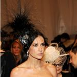 Demi Moore wears fascinator to Met Gala 2011  84448