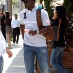 Djimon Hounsou lowers himself by dating Kimora Lee 19754