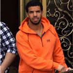 Drake man-hugs in Beverly Hills before hosting Juno Awards next week 81675