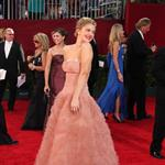 Drew Barrymore in an imitation Penelope Cruz dresse at the 2009 Emmy Awards 47283