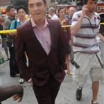 Ed Westwick in a suit shooting Gossip Girl in New York  22111