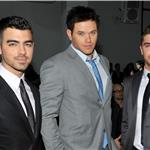 Zac Efron poses with Kellan Lutz and Joe Jonas at Calvin Klein NY Fashion Week  79150
