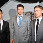 Zac Efron poses with Kellan Lutz and Joe Jonas at Calvin Klein NY Fashion Week  79151