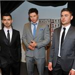 Zac Efron poses with Kellan Lutz and Joe Jonas at Calvin Klein NY Fashion Week  79152
