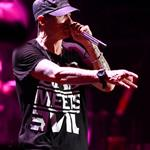 Eminem performs at Lollapalooza in Chicago 2011  91420