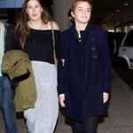 Emma Watson arrives in LA on New Year's Eve 2010  76294