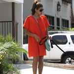 Eva Mendes takes Ryan Gosling's dog to the salon 122476
