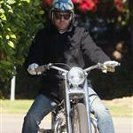 Ewan McGregor on his bike after breakfast in Beverly Hills 29388
