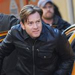 Ewan McGregor on the set of The Corrections  104907