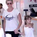 Faith Hill and Tim McGraw with their kids in LA at a pet store 43404