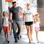 Faith Hill and Tim McGraw with their kids in LA at a pet store 43406