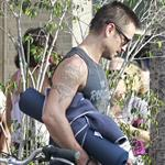 Colin Farrell at yoga on Friday 122551