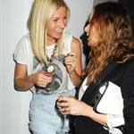 Gwyneth Paltrow with Stella McCartney and Liv Tyler backstage Burberry 47463