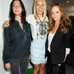 Gwyneth Paltrow with Stella McCartney and Liv Tyler backstage Burberry 47464