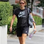 Jodie Foster leaves gym in Vancouver with Balenciaga bag 92410