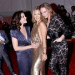 Stella McCartney with Kate Hudson and Liv Tyler at the 2009 Costume Institute Gala 38379