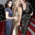 Stella McCartney with Kate Hudson and Liv Tyler at the 2009 Costume Institute Gala 38373