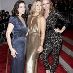 Stella McCartney with Kate Hudson and Liv Tyler at the 2009 Costume Institute Gala 38374