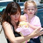 Jennifer Garner with bigger boobs holding Violet  22038