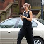 Gisele Bundchen out in Boston 125465
