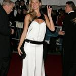 gisele costume 3 may07.jpg 10616