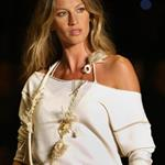 Gisele this week on the runway in Sao Paolo 41451