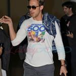 Ryan Gosling arrives on red eye for TIFF to promote Blue Valentine  68816