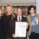 Josh Safran, Kelly Rutherford, Blake Lively, New York City Mayor Michael R. Bloomberg, Penn Badgley, Matthew Settle at The Mayoral proclamation in celebration of the Gossip Girl 100th episode at Silver Cup Studios in New York City 103909
