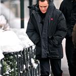 Ed Westwick in red Hunter boots on Gossip Girl set 77764