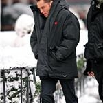 Ed Westwick in red Hunter boots on Gossip Girl set 77765