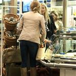 Gwyneth Paltrow and Cameron Diaz fly to New York from London  96014