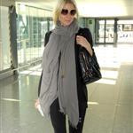 Gwyneth Paltrow and Mary Kate and Ashley Olsen at Heathrow 25899