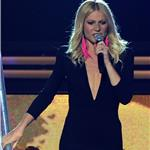 Gwyneth Paltrow performs at Grammy Awards 2011  79057