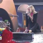 Gwyneth Paltrow performs at Grammy Awards 2011  79058