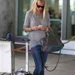 Gwyneth Paltrow arriving in Toronto for TIFF 125966