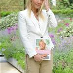 Gwyneth Paltrow promotes cookbook at Chelsea Flower Show 86009