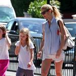Gwyneth Paltrow out in London with her daughter Apple Martin and some friends 116004